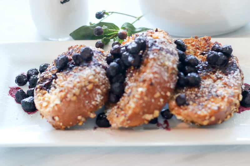 Crunchy blueberry french toast